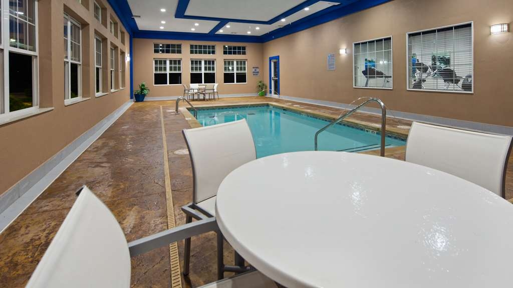 Best Western Plus The Inn & Suites at Muskogee - Vue de la piscine