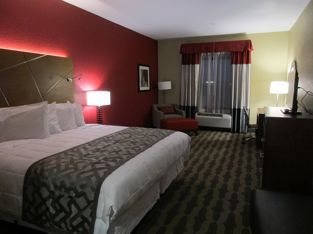 Best Western Plus Fairview Inn & Suites - King Standard/King Suite