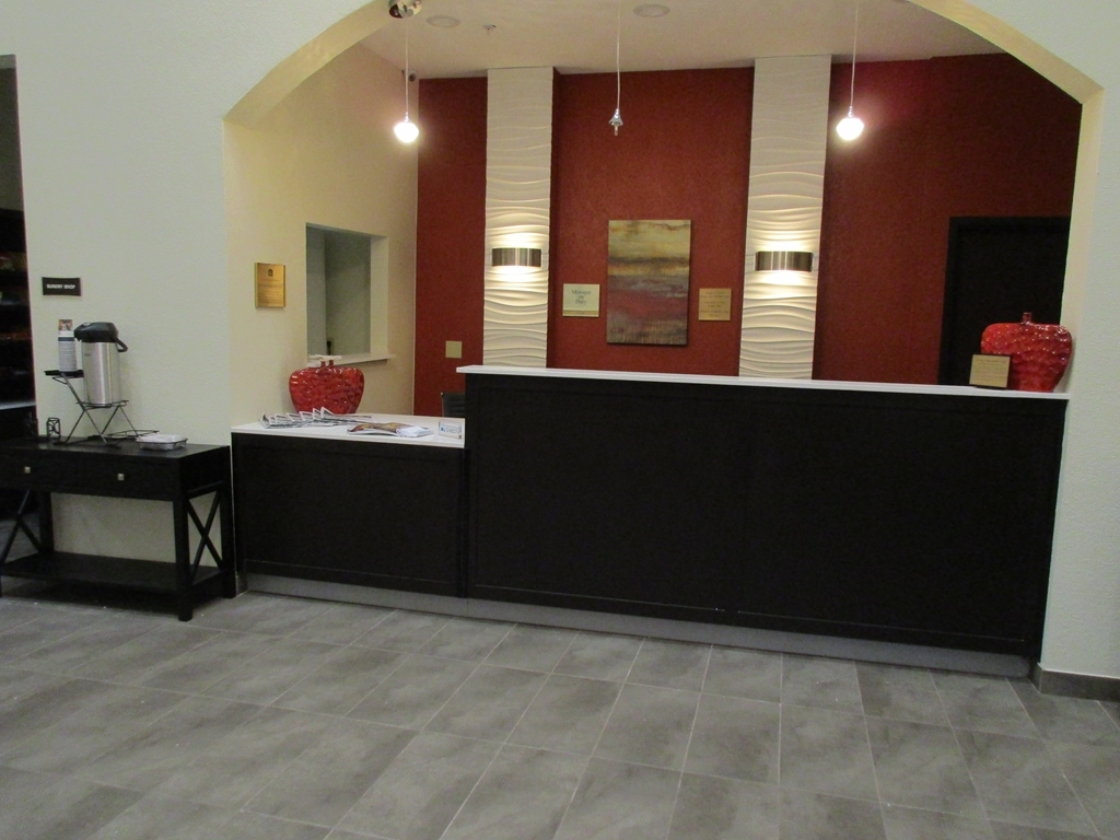 Best Western Plus Fairview Inn & Suites - Front Desk