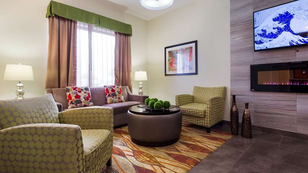 Best Western Plus Fairview Inn & Suites - Lobby