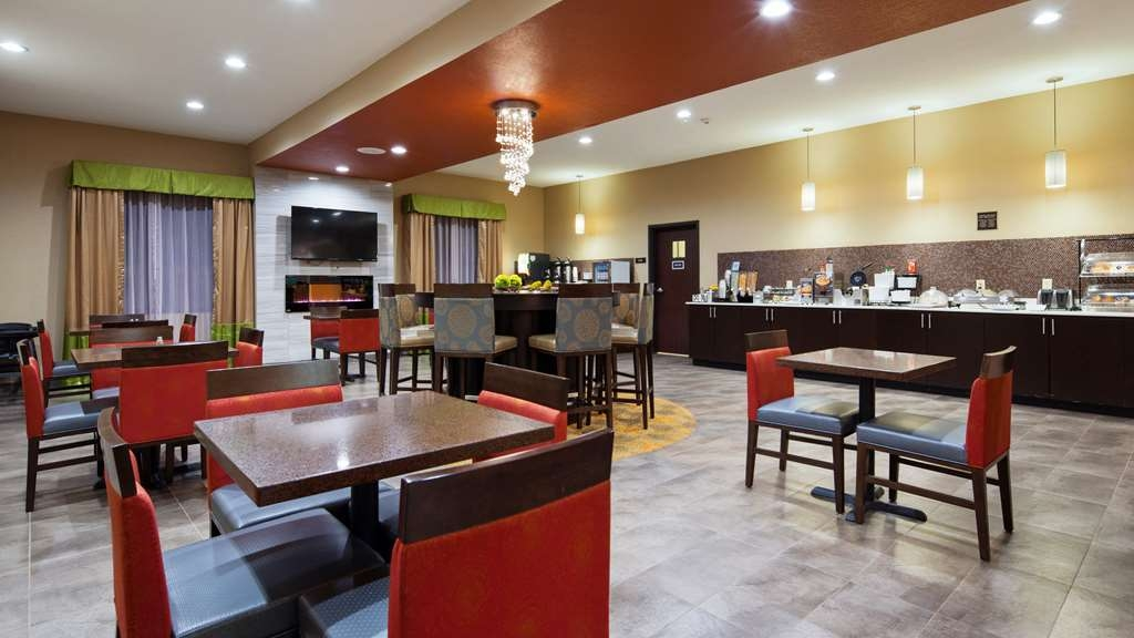 Best Western Plus Fairview Inn & Suites - Breakfast Area