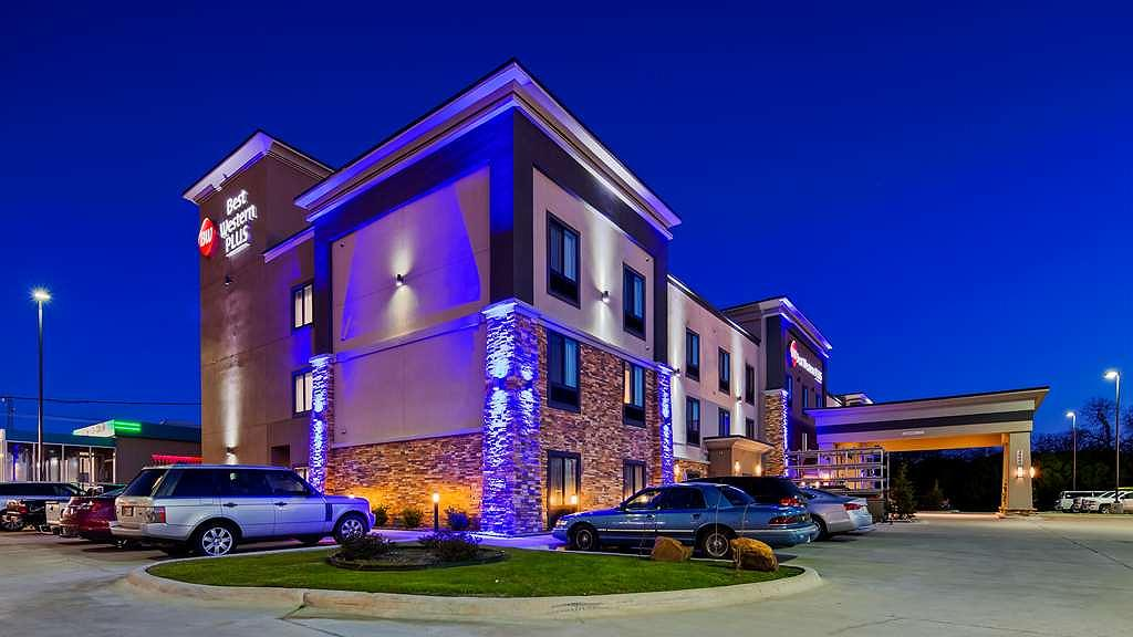 Best Western Plus Ardmore Inn & Suites - Vista exterior