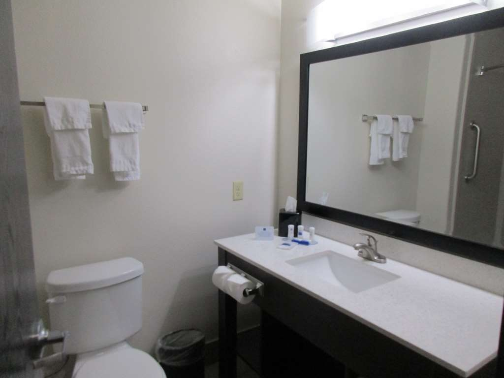 Best Western Plus Ardmore Inn & Suites - We take pride in making everything spotless for your arrival.