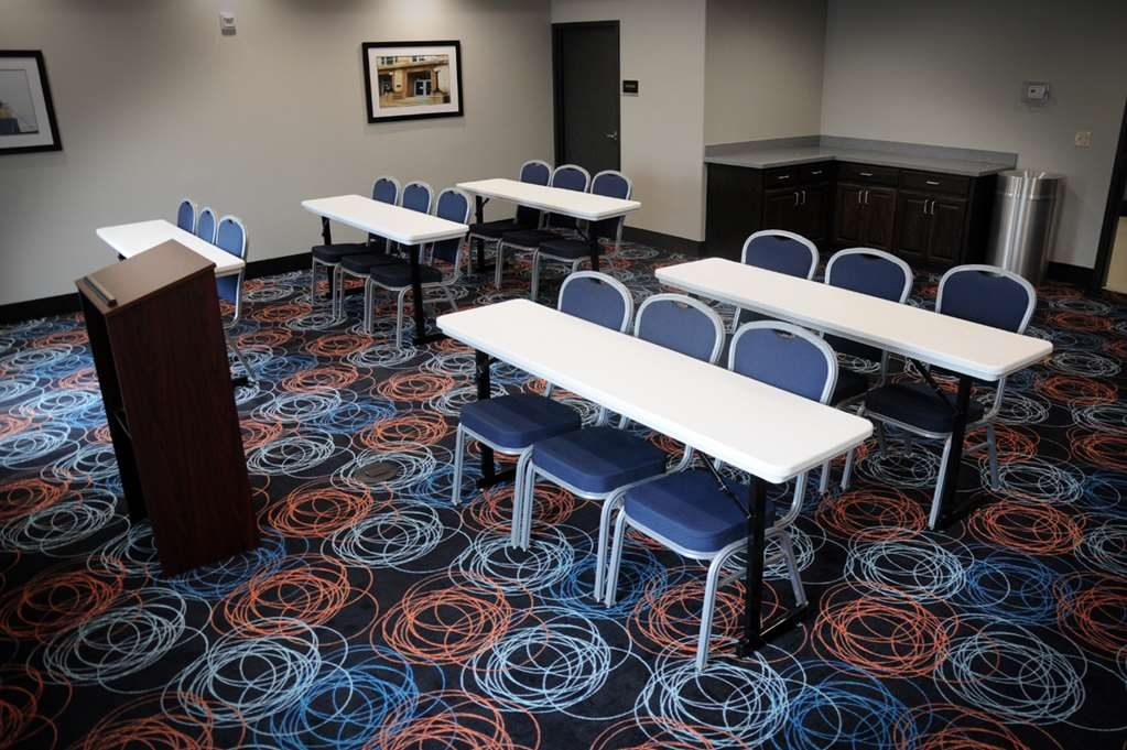 Best Western Plus Ardmore Inn & Suites - Need to schedule a meeting for business? We have space available for you and your clients.