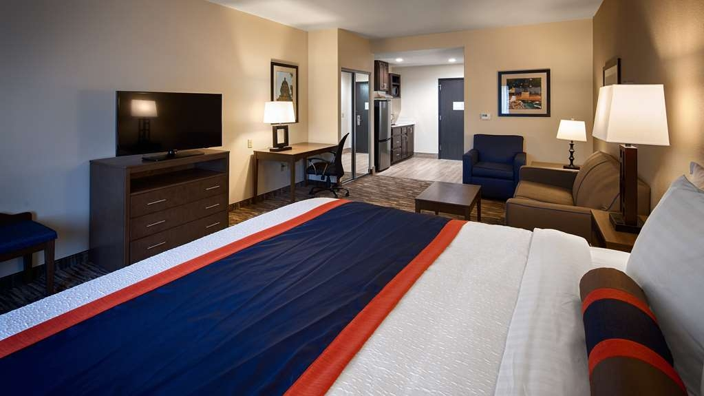 Best Western Plus Ardmore Inn & Suites - Our King Suites offer plenty of space for lounging.
