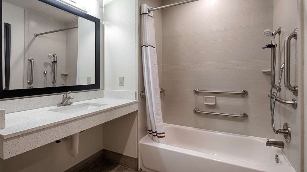 Best Western Plus Ardmore Inn & Suites - Our ADA mobility accessible bathrooms include all the comforts of home.