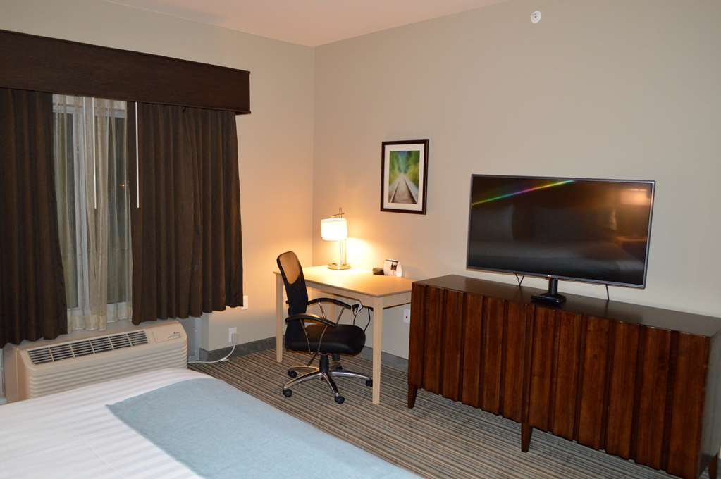 Best Western Plus Norman - Sleep in a plush king bed and enjoy your favorite show on a flat screen t.v.