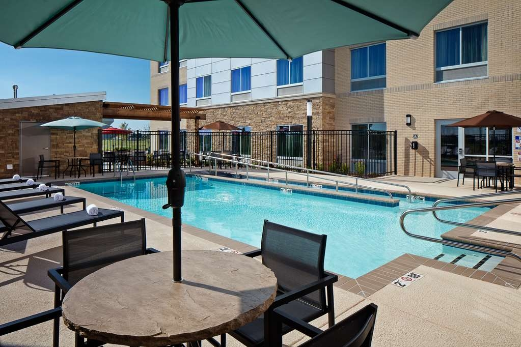 Best Western Plus Norman - Piscina