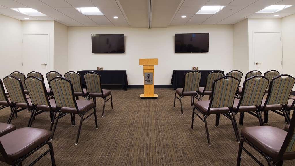 Best Western Plus Norman - Our meeting space is the perfect space to hold your next meeting or party. we can accommodate up to 40 people in a variety of setups. Contact the hotel today for details.