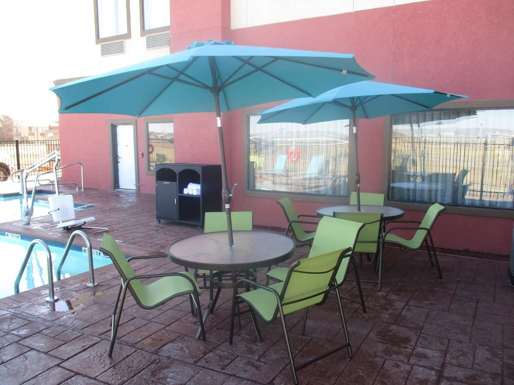 Best Western Plus Executive Residency Elk City - Pool Area Patio