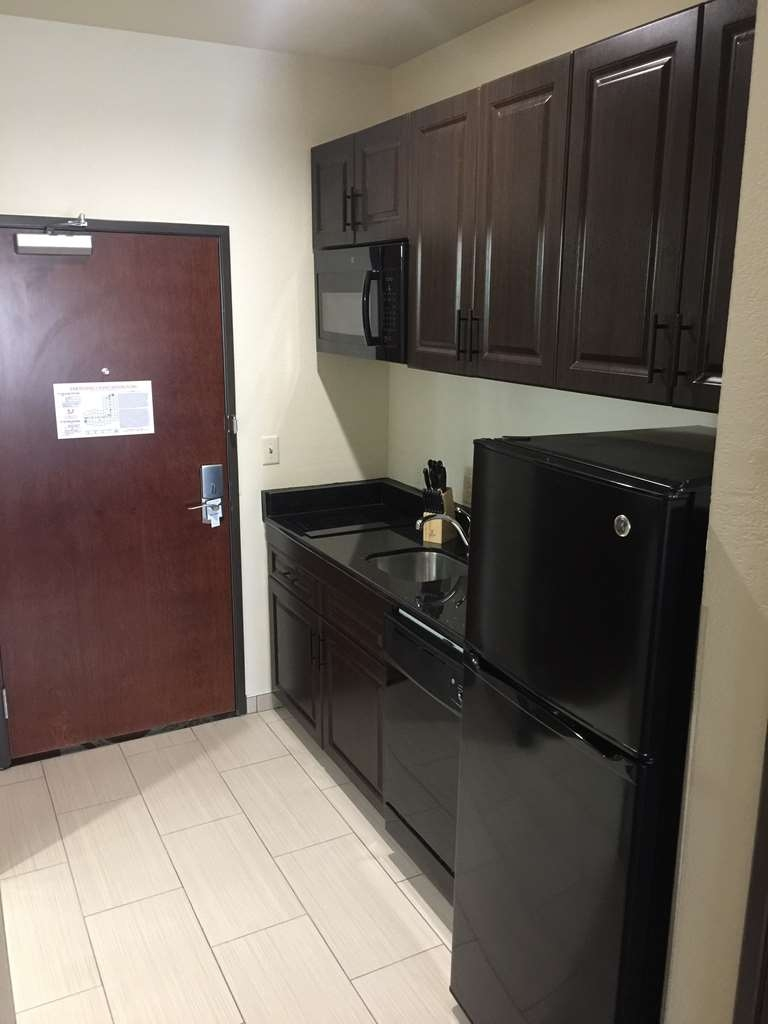 Best Western Plus Executive Residency Elk City - GUEST ROOM KITCHENETT