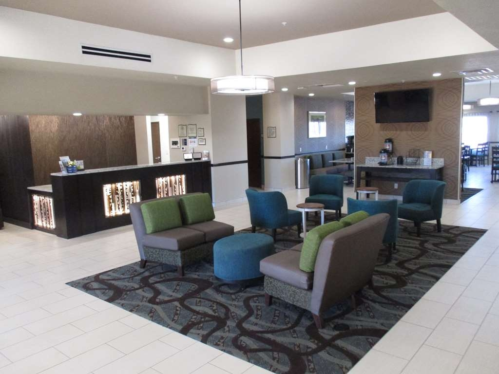 Best Western Plus Executive Residency Elk City - Front Desk and Lobby Area