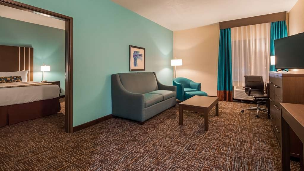 Best Western Plus Executive Residency Elk City - King Suite