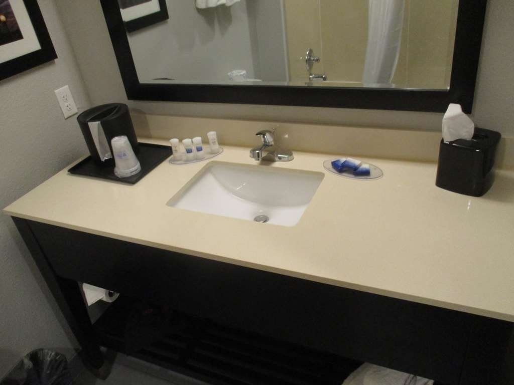 Best Western Plus Pauls Valley - Suite