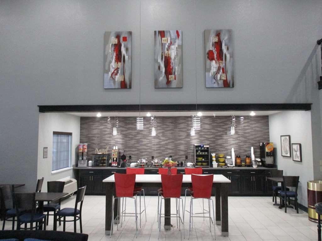 Best Western Atoka Inn & Suites - Breakfast Area