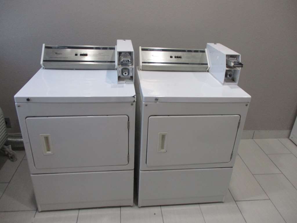 Best Western Atoka Inn & Suites - Guest Laundry