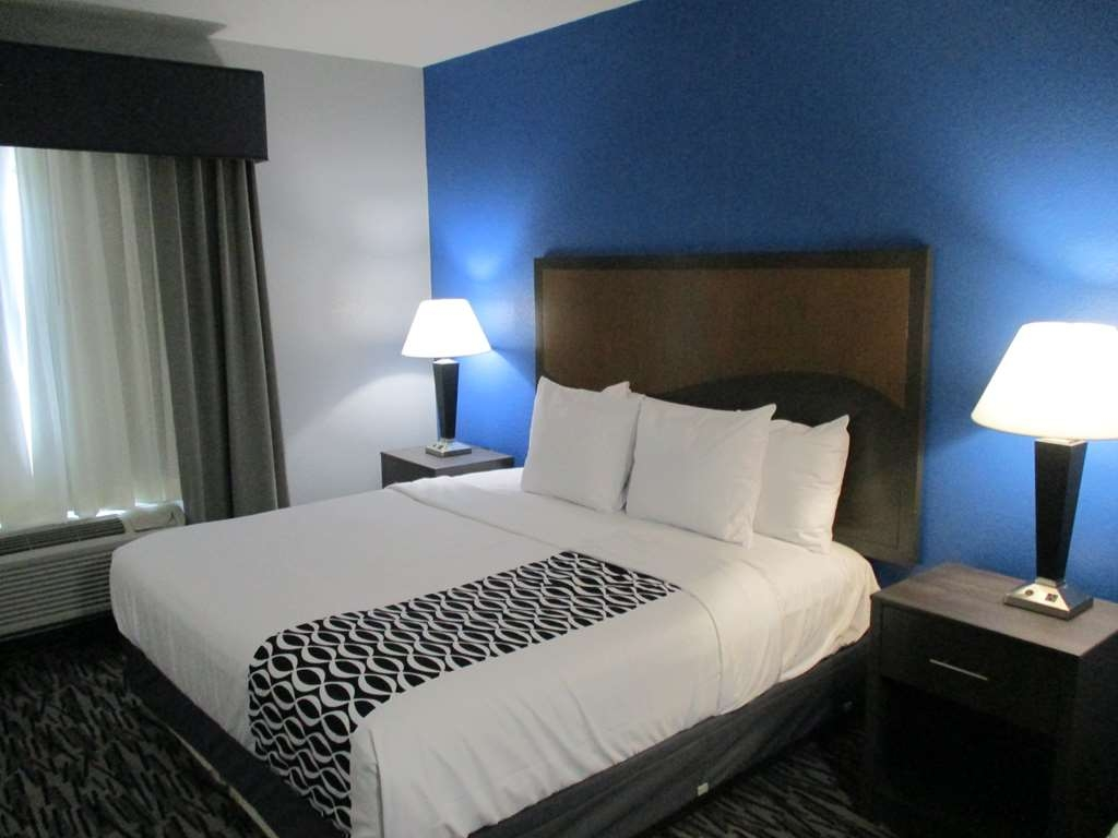 Best Western Atoka Inn & Suites - Singlet King Guest Suite