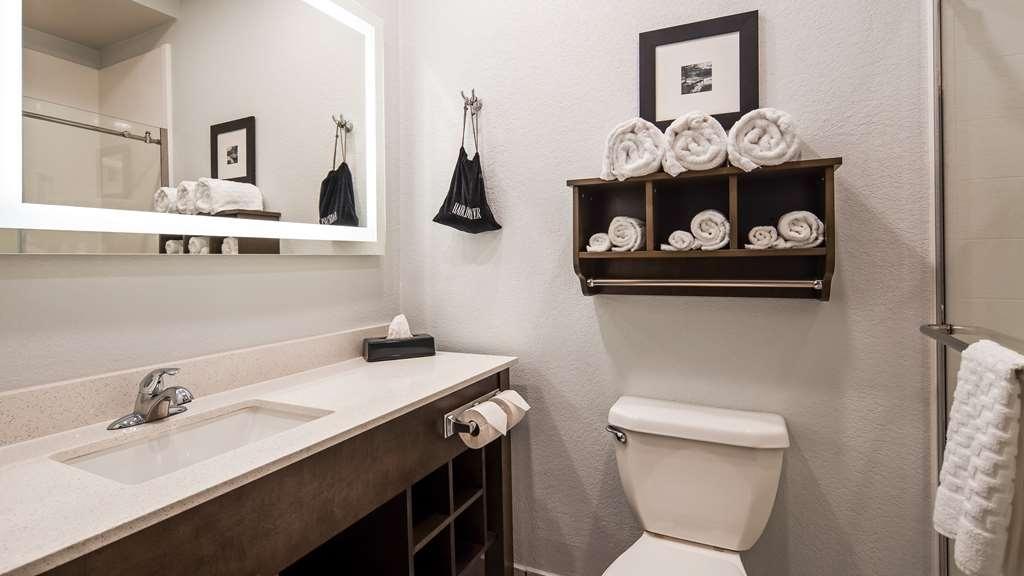 Best Western Atoka Inn & Suites - Guest room