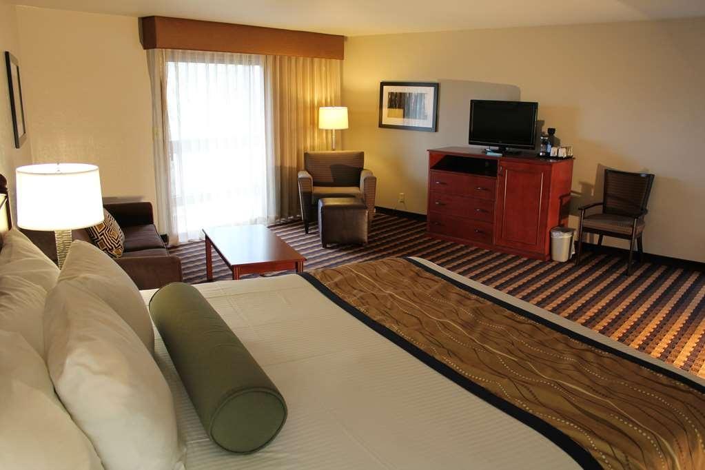 Best Western New Oregon - King Guest Room