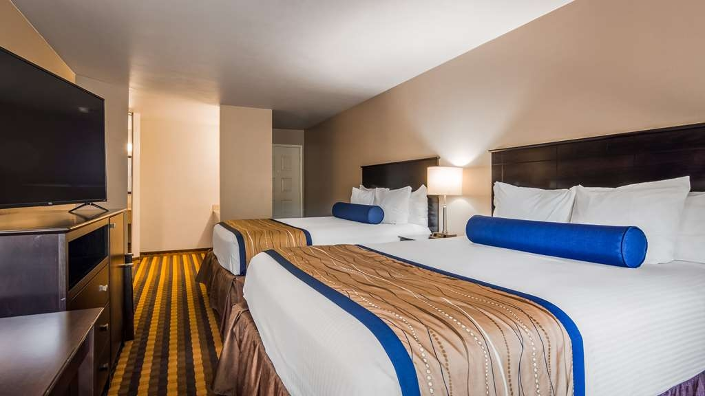 Best Western New Oregon - One KingBed Guest Room
