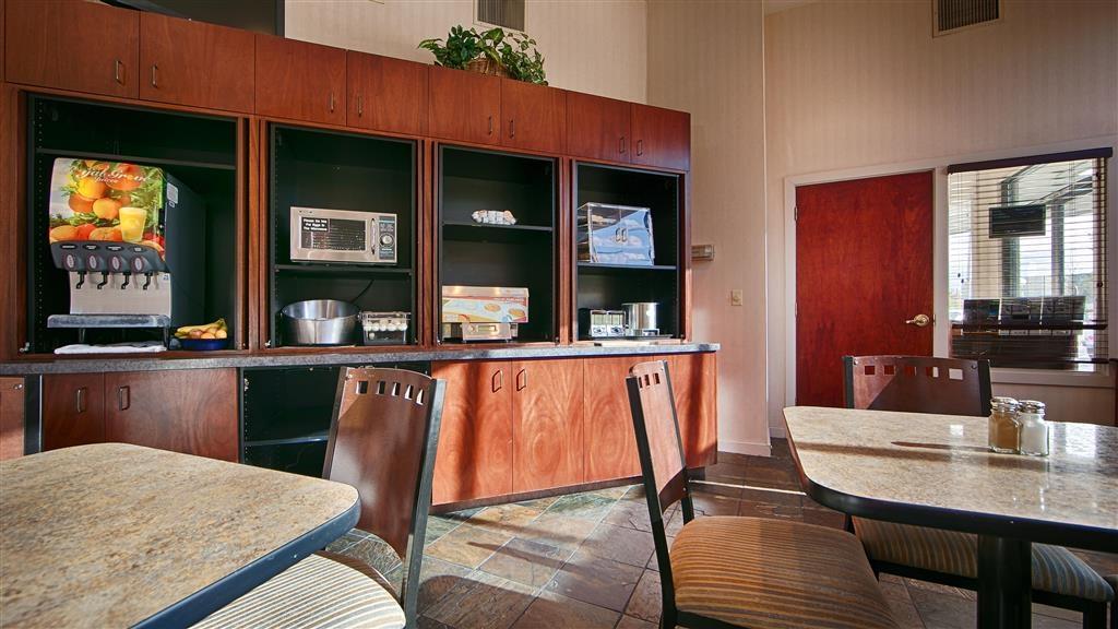 Best Western Greentree Inn - Salón para desayunos