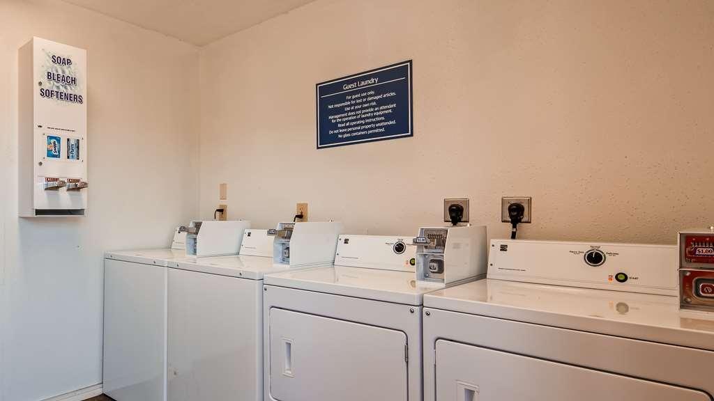 Best Western Garden Villa Inn - Laundry Room