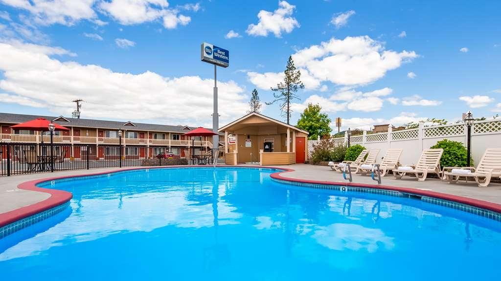 Best Western Garden Villa Inn - Vista de la piscina
