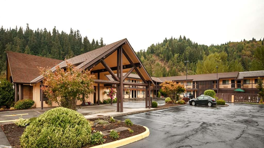 Best Western Oakridge Inn - Vista Exterior