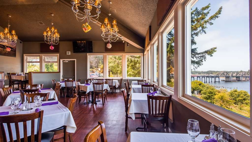 Best Western Pier Point Inn - Bar/Lounge