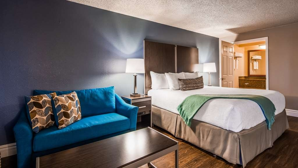 Best Western Pier Point Inn - One Queen Bed Guest Room