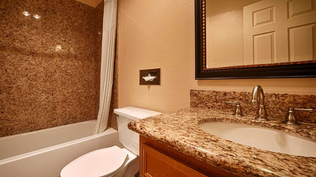 Best Western Plus Lincoln Sands Oceanfront Suites - Salle de bain