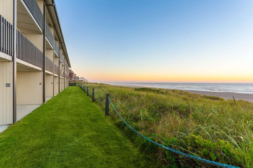 Best Western Plus Lincoln Sands Oceanfront Suites - lado-exterior