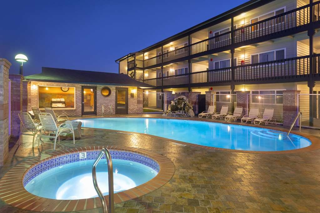 Best Western Plus Lincoln Sands Oceanfront Suites - Vue de la piscine