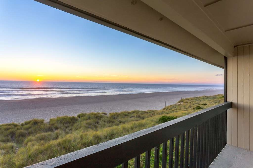 Best Western Plus Lincoln Sands Oceanfront Suites - balcon