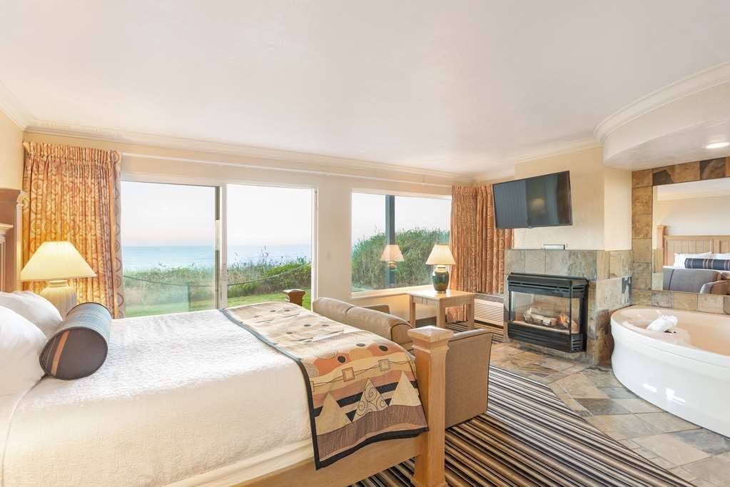 Best Western Plus Lincoln Sands Oceanfront Suites - Suite