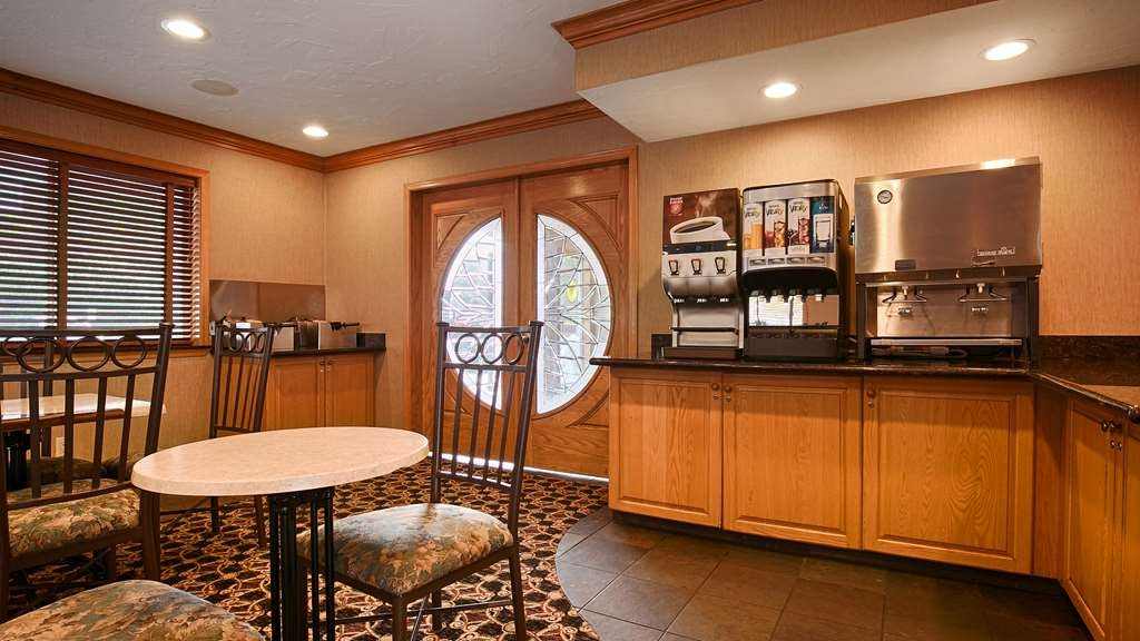 Best Western Plus Lincoln Sands Oceanfront Suites - Le petit déjeuner buffet