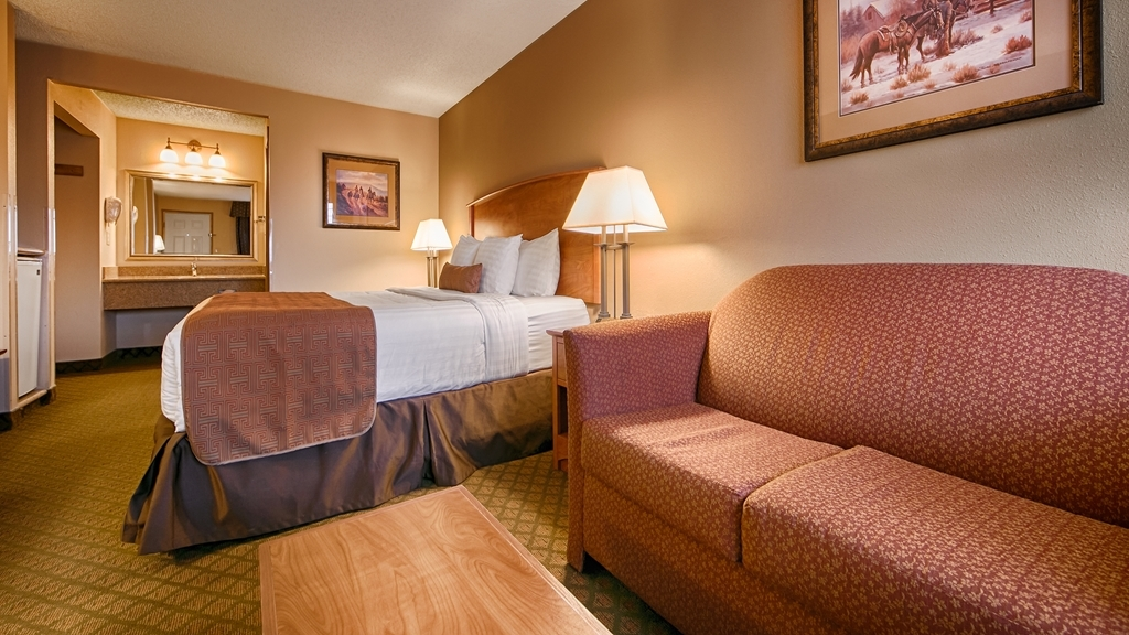 Best Western John Day Inn - Sink into our comfortable beds each night and wake up feeling completely refreshed.