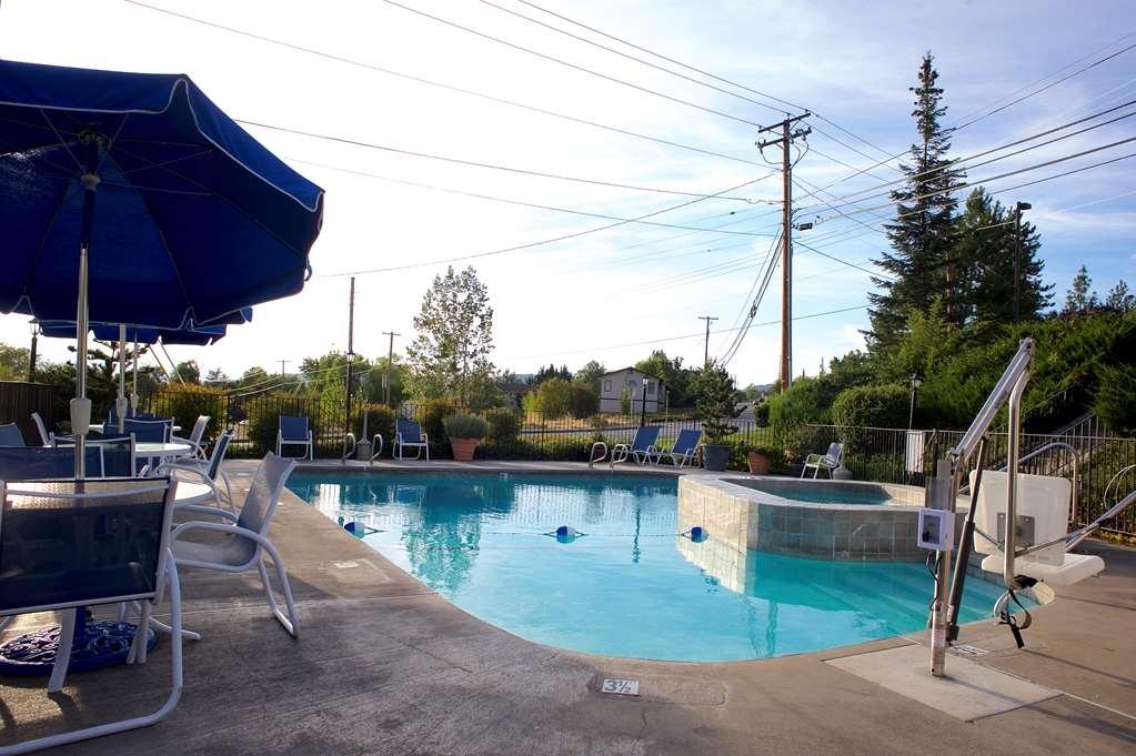 Best Western Grants Pass Inn - Tutta la famiglia apprezzerà la nostra area piscina!