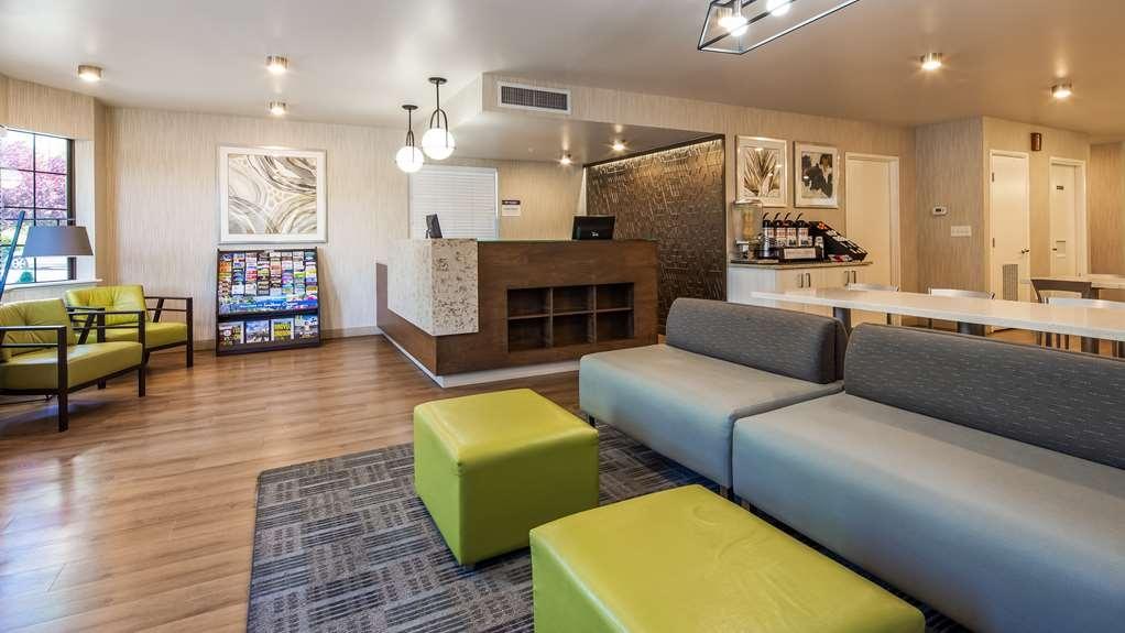 Best Western Grants Pass Inn - Vista del vestíbulo