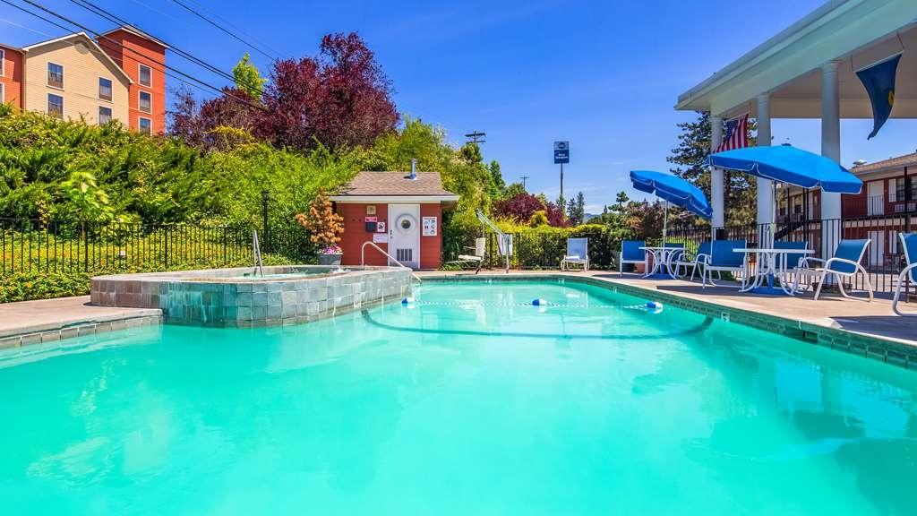 Best Western Grants Pass Inn - Vista de la piscina