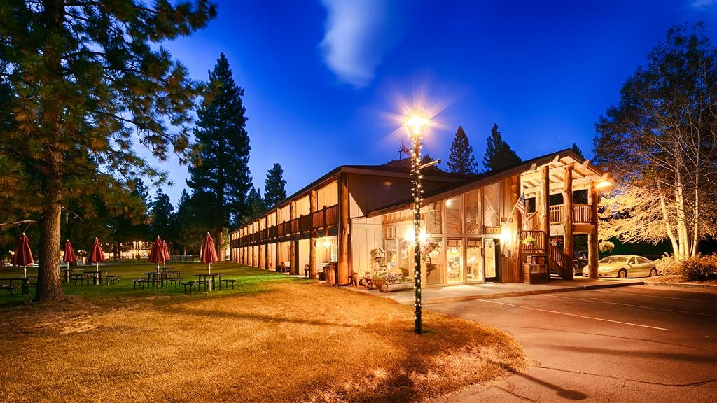 Best Western Ponderosa Lodge - Anytime of the year is a great time to stay at our hotel in Central Oregon.