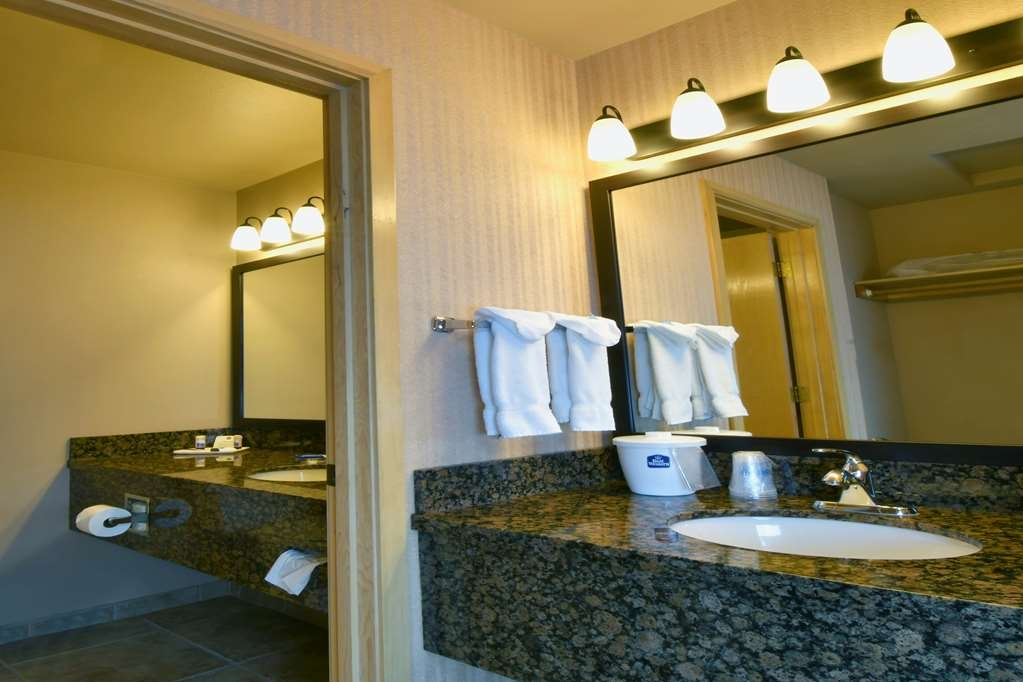 Best Western Ponderosa Lodge - Baño