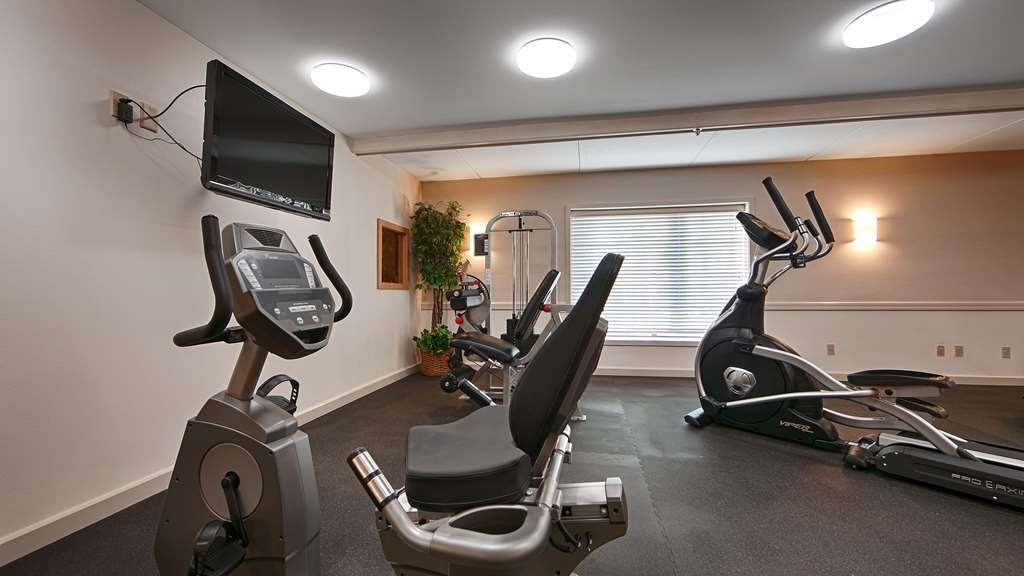 Best Western Plus Ocean View Resort - Maintain your home exercise routine in our fully equipped fitness center.