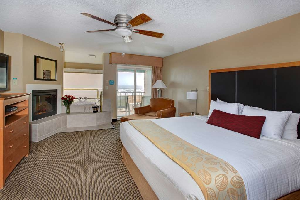 Best Western Plus Ocean View Resort - Our Ocean View King rooms feature one king pillow top bed, jetted tub, living room area with overstuffed chair, fireplace and a private balcony.