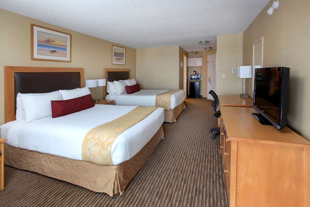 Best Western Plus Ocean View Resort - Our non-view queen rooms are small, economy sized featuring one pillow top queen bed and can accommodate one or two guests.