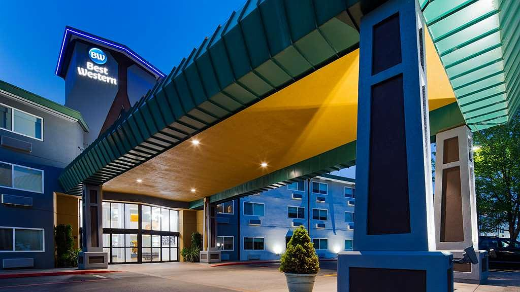 Hotel in Portland | Best Western Inn at the Meadows