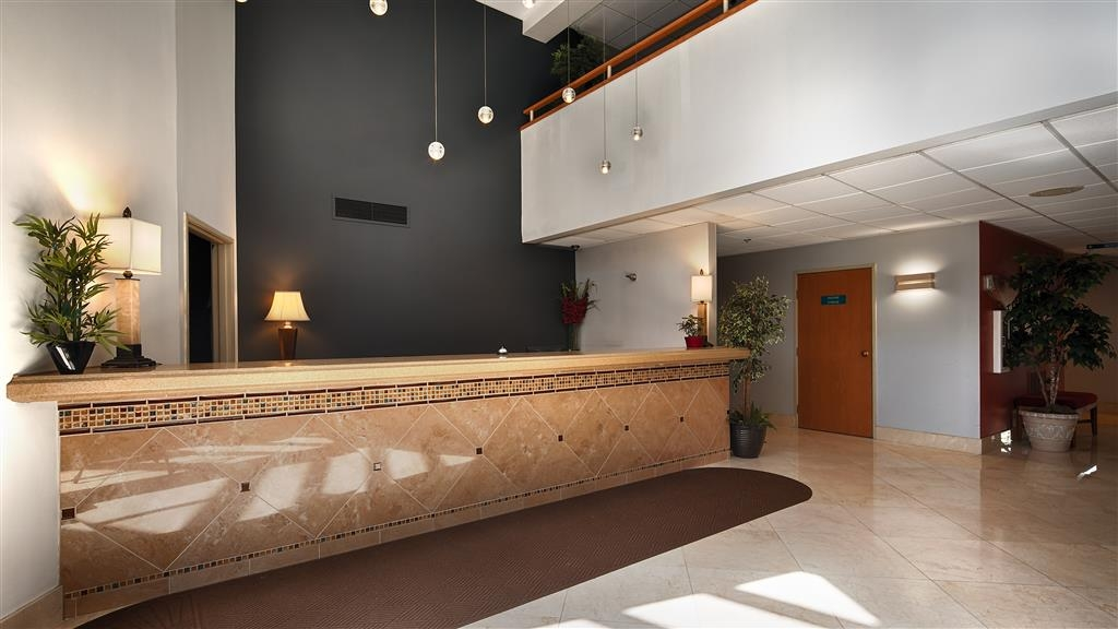 Best Western Inn at the Meadows - Hall