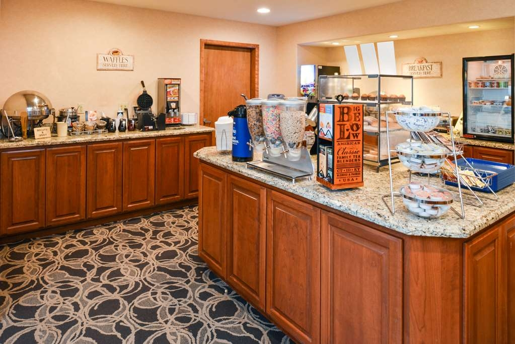 Best Western Pendleton Inn - We serve up a delicious complimentary breakfast each and every morning from 6 a.m. to 10 a.m.