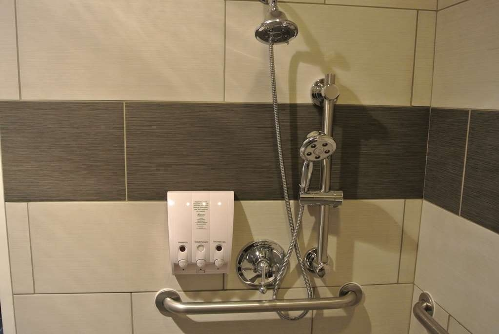 Best Western Corvallis - Get ready for the night in this fully equipped standard ADA mobility accessible bathroom.