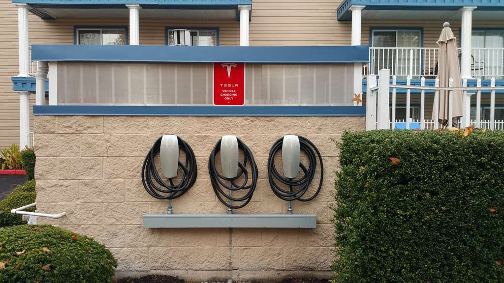 Best Western Corvallis - Relax in our comfortable rooms while your car recharges.